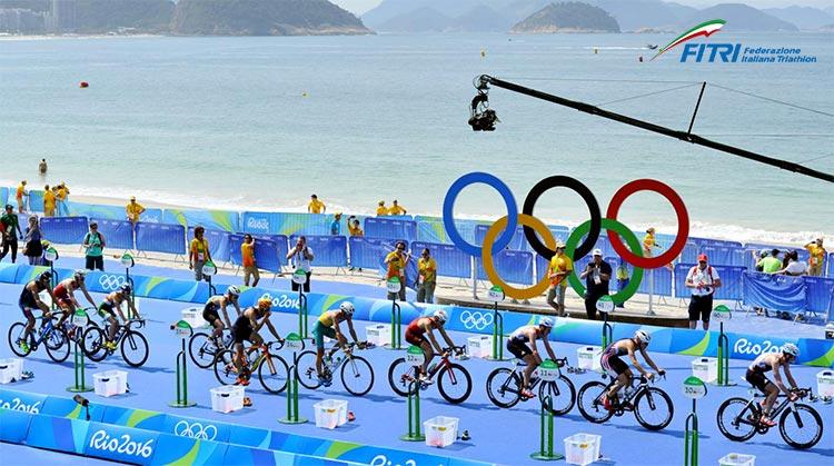 passaggio zona cambio seconda frazione bici triathlon