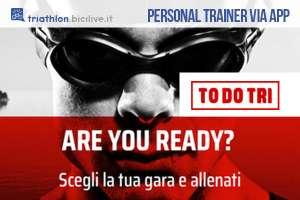 personal di triathlon app uomo con cuffia e occhialini 2019