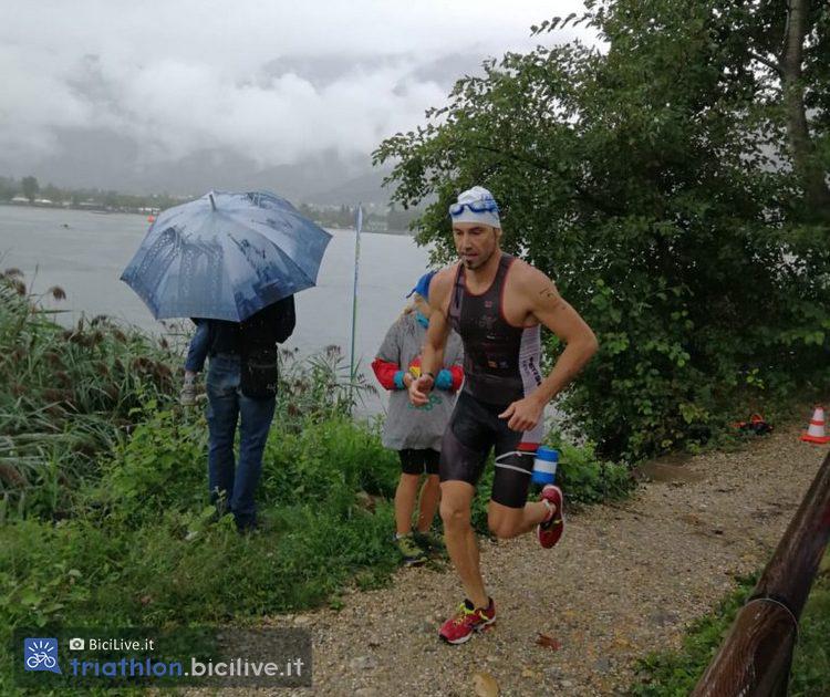 Le gare di swimrun  si svolgono con qualsiasi tempo