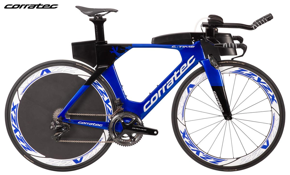 Una bicicletta da triathlon Corratec C:Time SLR 2020