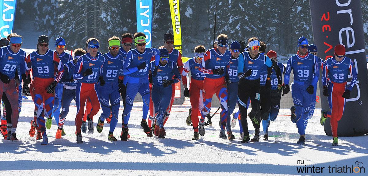 La partenza degli atleti nella prima frazione del Winter Triathlon World Championships 2020