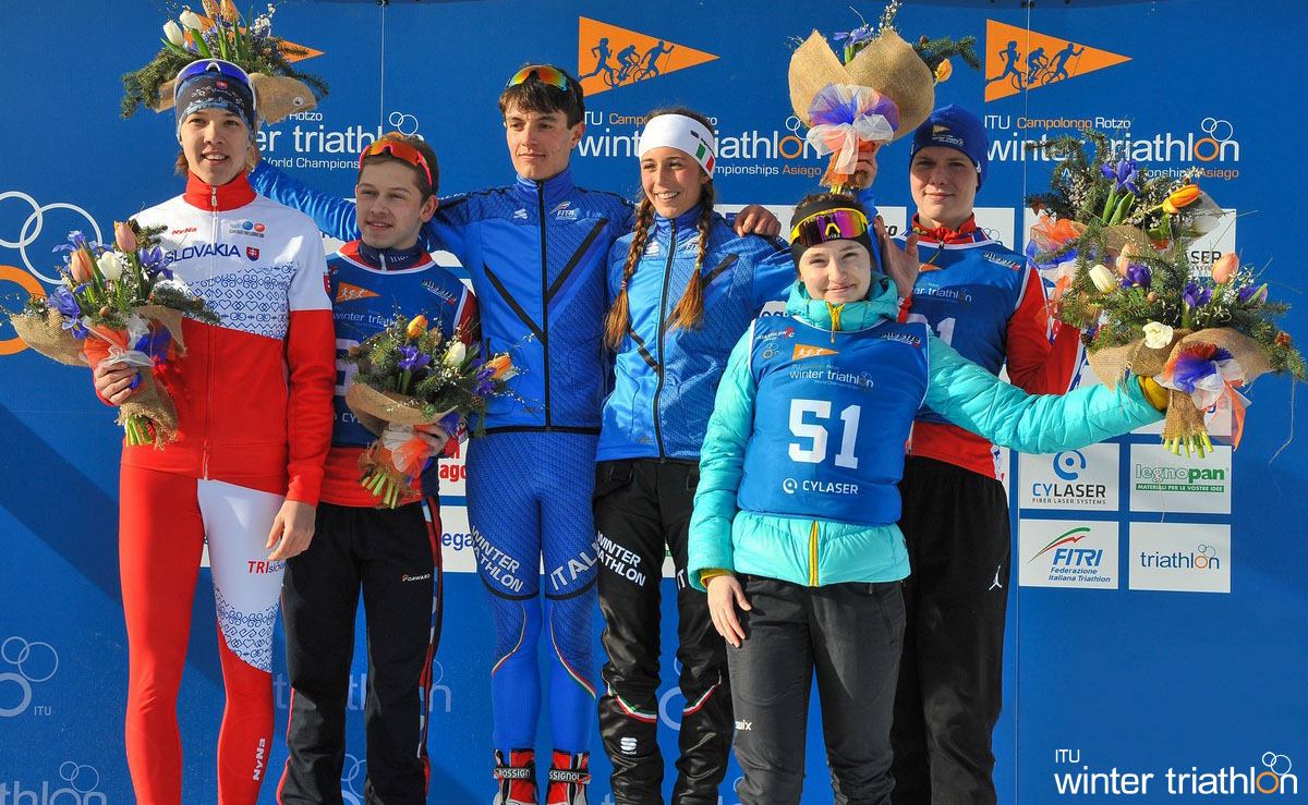 La premiazione degli atleti in gara nel Winter Triathlon