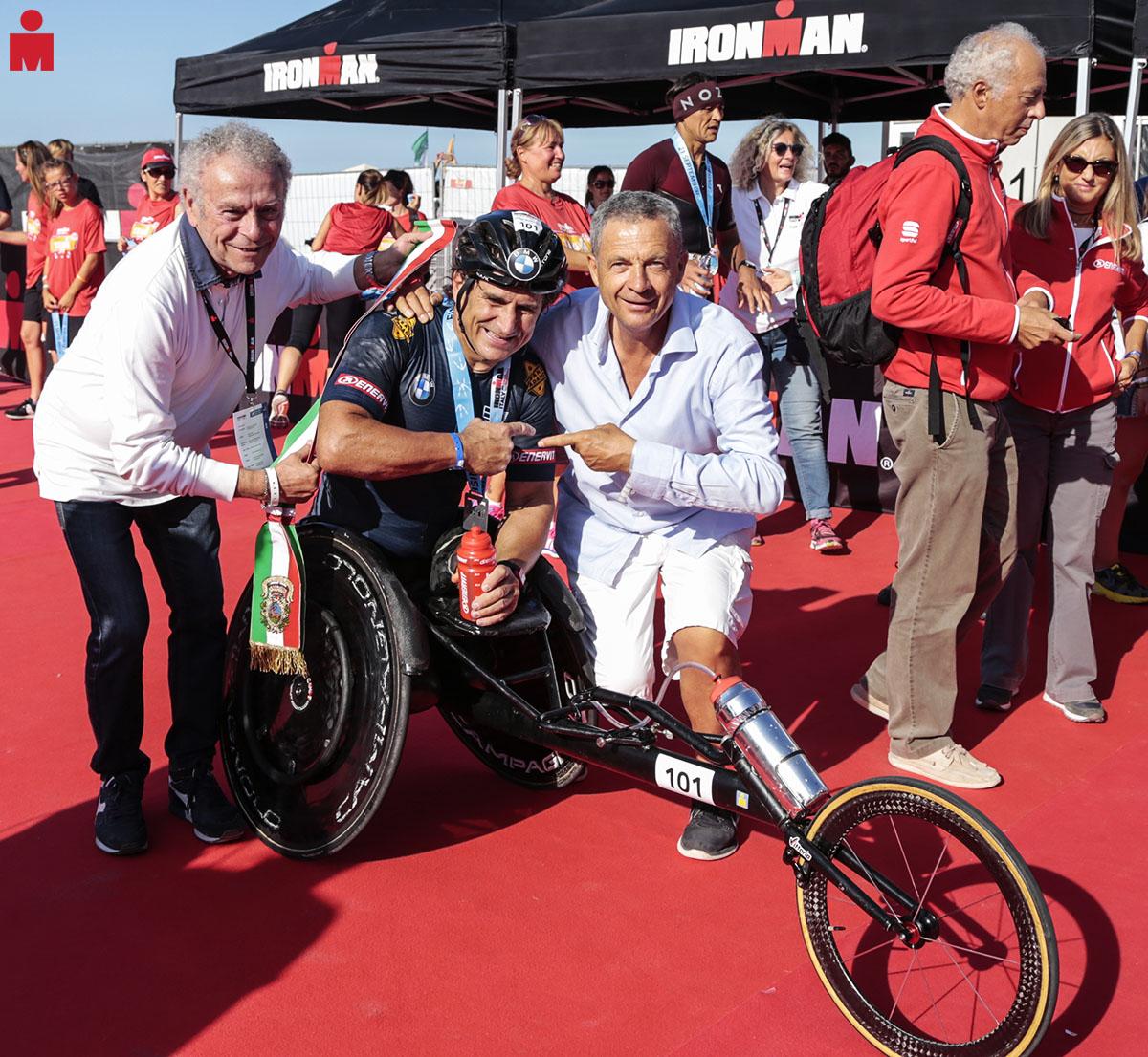 All'Ironman Italy Emilia Romagna partecipa anche Alex Zanardi vincendo due titoli
