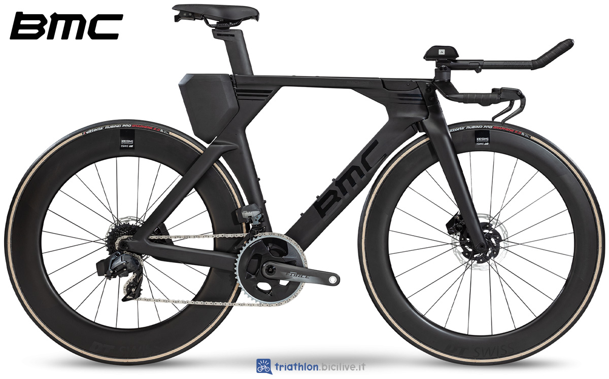 Una bici da triathlon BMC Timemachine 01 Disc One 2020
