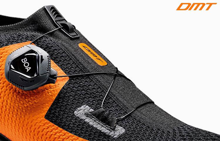 Il sistema di chiusura singolo Boa Fit System IP1 presente sulla calzatura triathlon KT1 di DMT