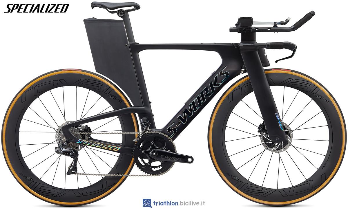 Una bici da triathlon Specialized S-Works Shiv Disc 2020