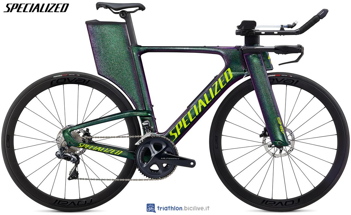 Una bicicletta da triathlon Specialized Shiv Expert Disc 2020 in colorazione verde