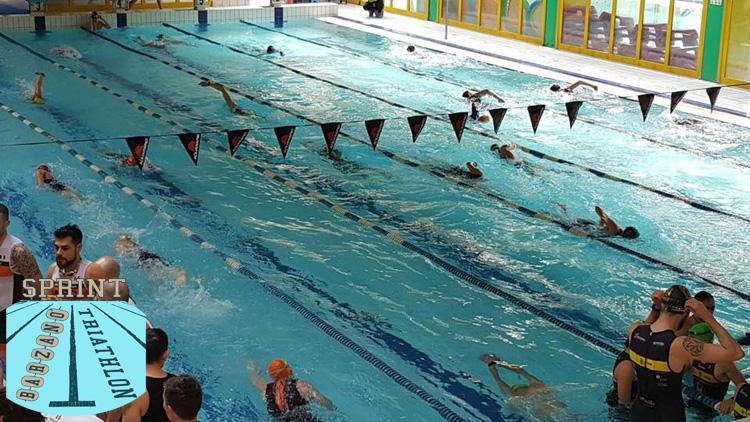La piscina dove si svolge il Triathlon Sprint di Barzanò