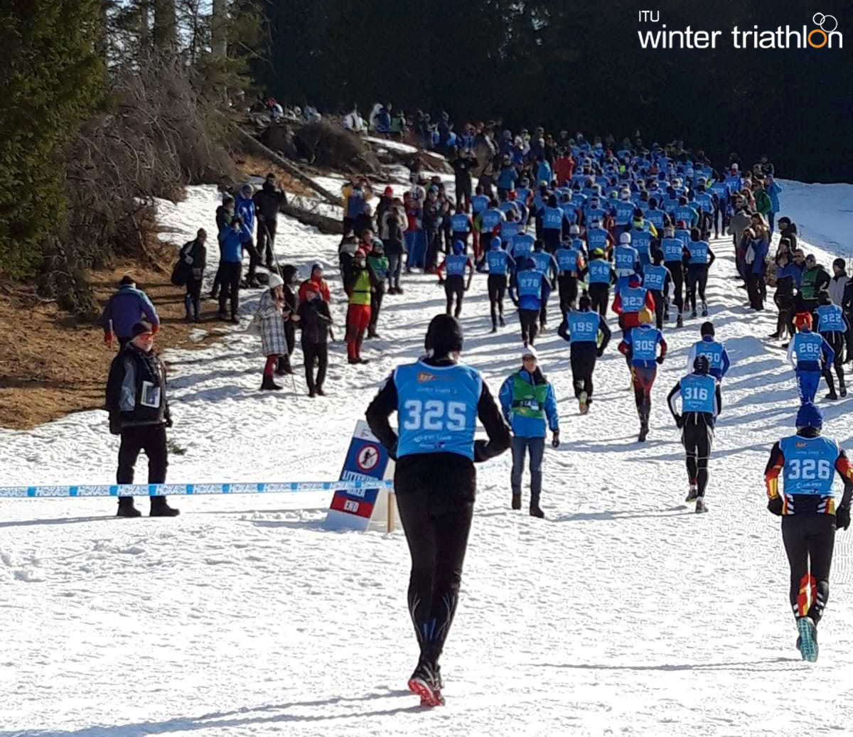Il folto gruppo degli atleti age group ai mondiali di winter triathlon