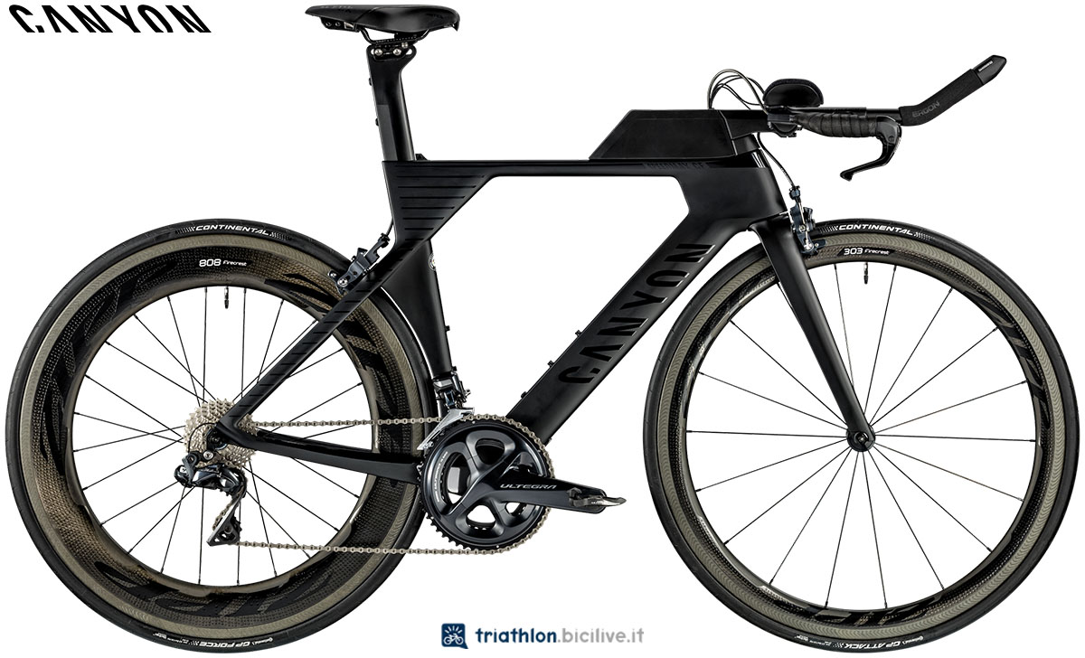 Una bici Canyon Speedmax WMN CF 8.0 LTD 2020