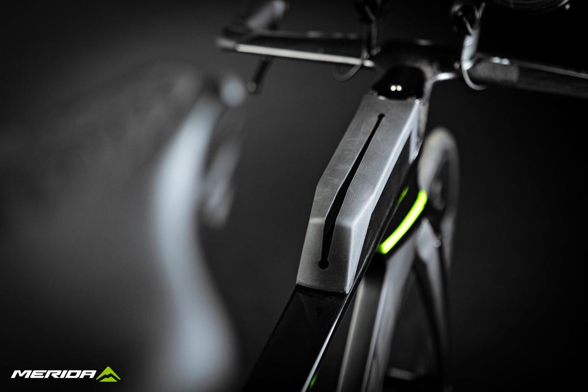 Dettaglio del telaio della bici triathlon Merida Time Warp Tri 2020