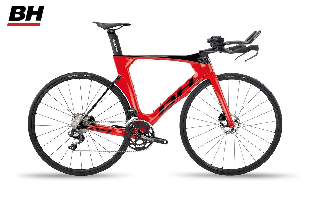 Bicicletta da triathlon BH Aerolight 4.0 modello 2020 con il gruppo Shimano Ultegra