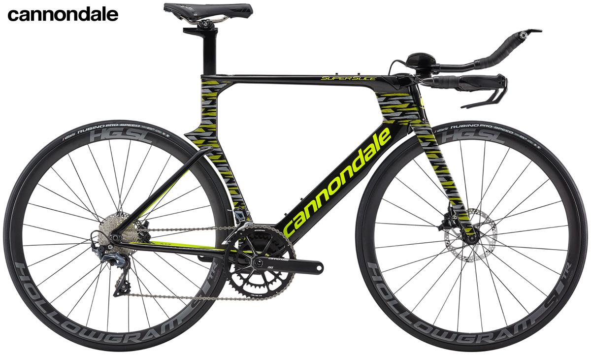 Una bicicletta da triathlon Cannondale SuperSlice con cambio Shimano Ultegra 11 velocità.