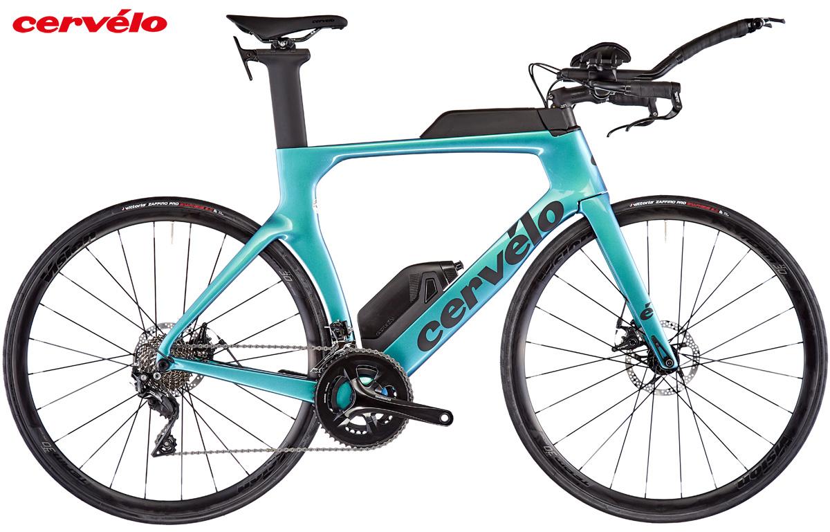Una bici da triathlon con telaio in carbonio Cervélo P 105 2021 color azzurro