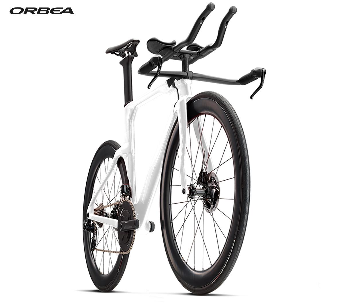 La nuova bici da triathlon Orbea Ordu M20LTD 2021 vista di trequarti